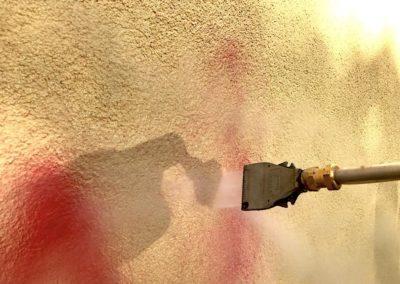 Odstranění graffiti z fasády 003
