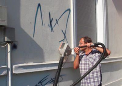 Odstranění graffiti z omítky 001