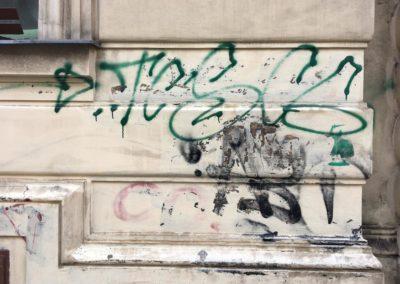 Odstranění graffiti z omítky 003