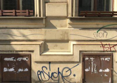 Odstranění graffiti z omítky 004