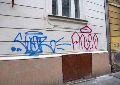 Odstranění graffiti z omítky 006