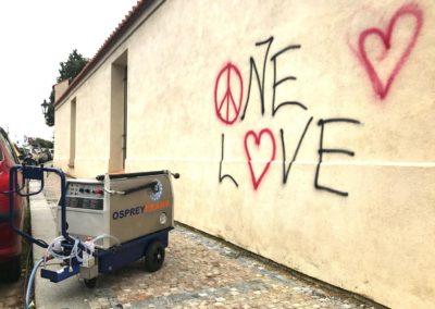 Odstranění graffiti z omítky 008