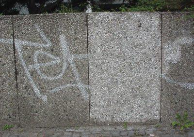 Odstranění graffiti z plotu 008