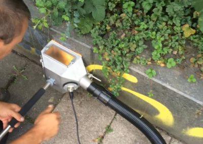 Odstranění graffiti ze soklu 001