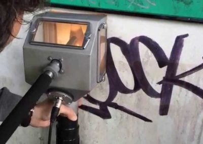 Odstranění graffiti ze soklu 002